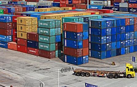 集装箱运价指数屡创新高,外贸企业再现缺舱缺箱