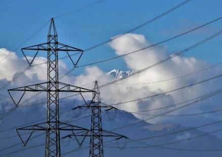 """""""北斗系统""""支撑构建新型电力系统,让电网巡检更智能"""