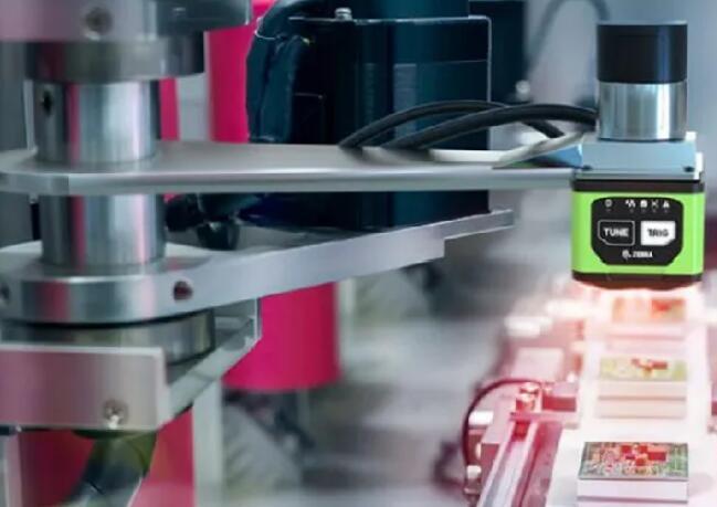 斑马极光软件平台,可以轻松部署摄像头和扫描仪,方便企业进行工业检测