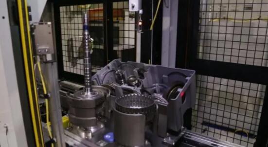 Symbio成功将人工智能和工业机器人技术应用到汽车行业中