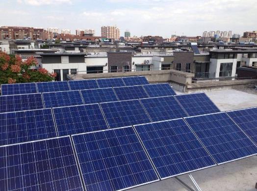 印度一公司研发用于屋顶太阳能的无水便携式清洁机器人