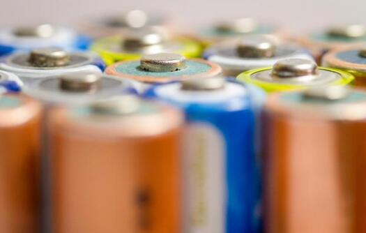 """磷酸铁锂再次被三元""""KO"""",高镍三元材料市场渗透率不断提升"""