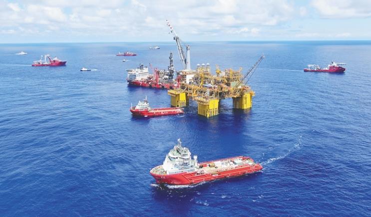 """全球首座10万吨级深水半潜式生产储油平台""""深海一号""""投产在即"""