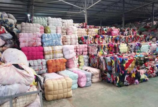 你能想到廢棄衣服居然可以撐起一個億的市場嗎?