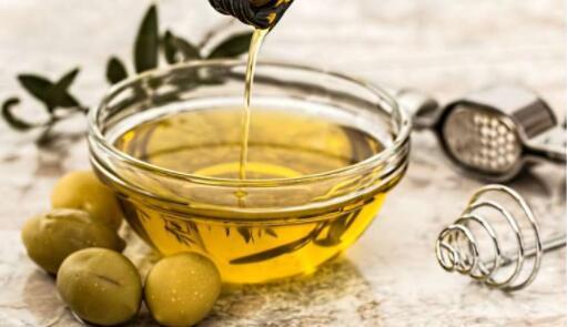 研究人員發現食物蛋白質可以消除特油橄欖的辛辣和苦味