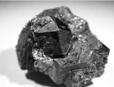 科學家提出了新的高效鈣鈦礦加工方法 不損失質量