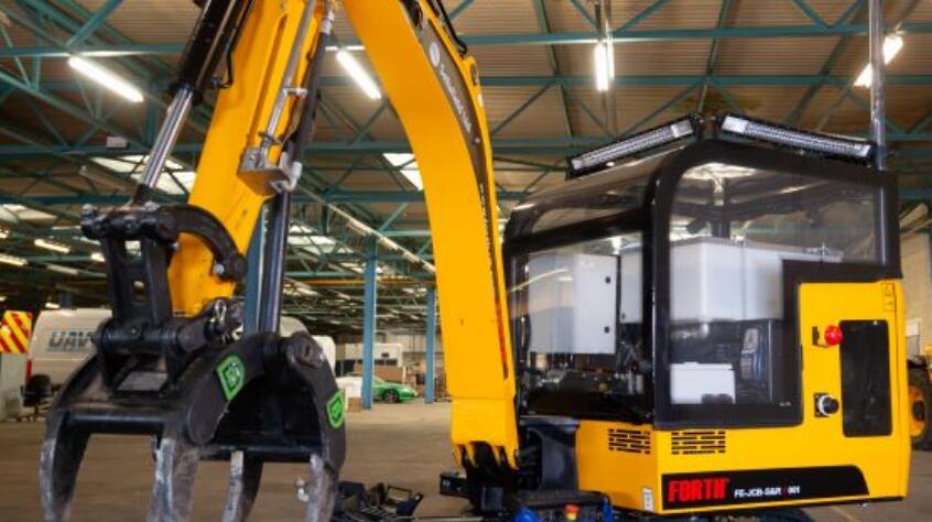 遠程操作救援機器人,可以在危險的工業環境中進行搜救