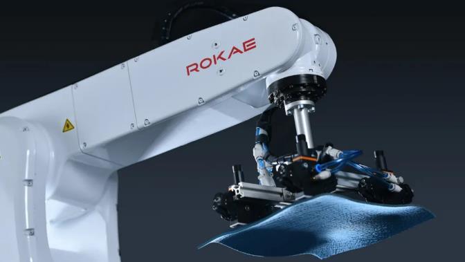 機器人助力紡織行業實現高效自動化生產