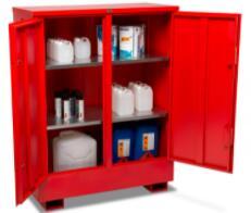 First Mats 提供全系列的金属机柜,可保持易燃液体的安全