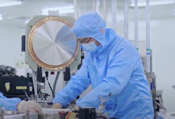 東方晶圓研制的國內首臺關鍵尺寸量測設備 填補國內空白
