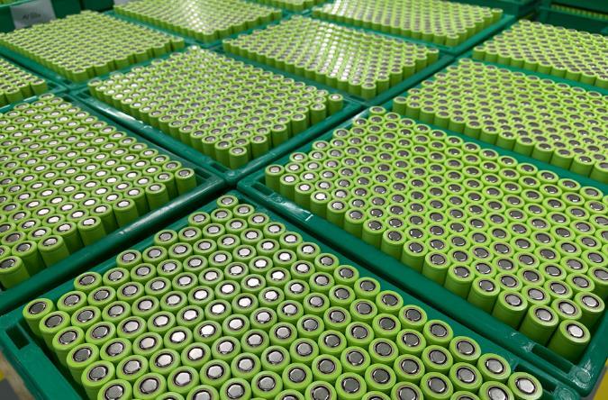 电池新能源扩产潮再起!这些公司上半年逾2613亿开建35个项目