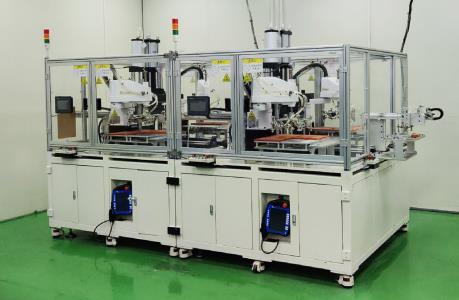 华数机器人铆压自动化,助力笔电行业提质增效!