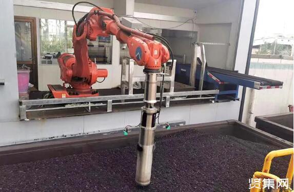 移动列车商品煤采样机器人正式在神东煤炭投入使用,组图欣赏
