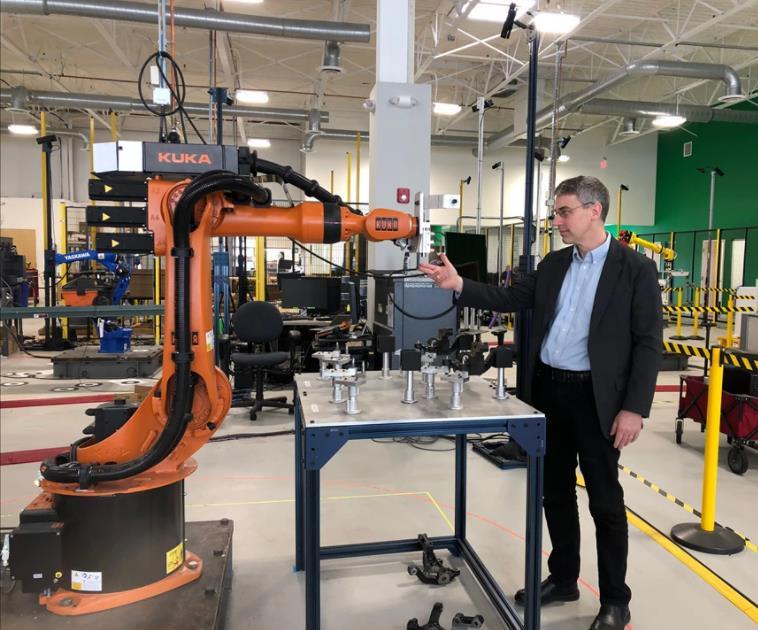 视觉技术和人工智能联合可以让机器人协同工作吗?
