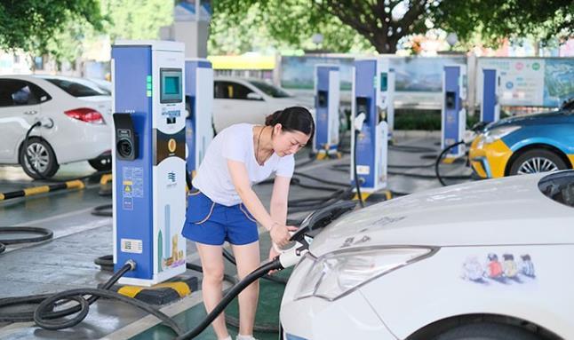 不仅螺蛳粉出名更是中国电动汽车之都!柳州是如何激活新能源汽车产业链的?