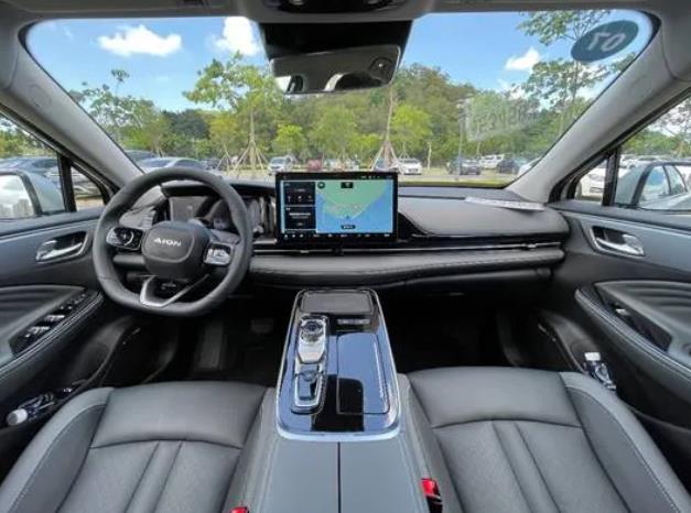 试驾广汽埃安AION S Plus:改款幅度堪比换代,精准导向年轻一代