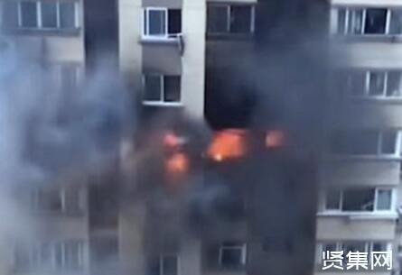 上海一居民楼发生爆燃1人坠亡,救援已结束,事故原因正在调查中