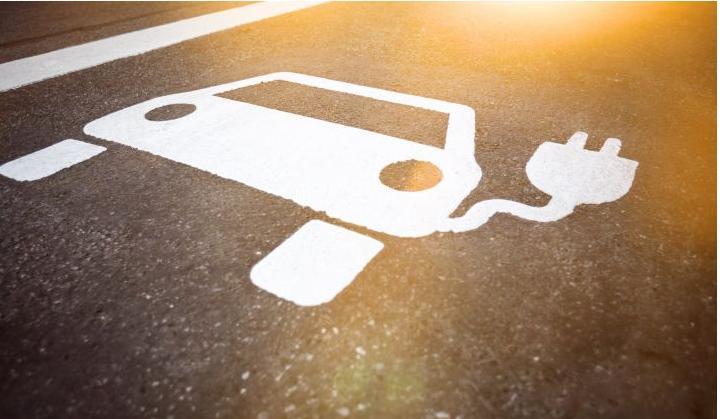 美国汽车制造商承诺大幅增加电动汽车产量