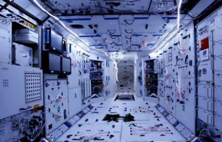"""地球探险""""四人组""""整装待发,即将奔赴国际空间站"""