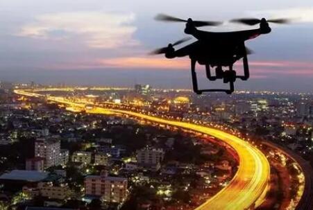 "Skorup再造一个空中之城,""高速公路""上跑的是无人机"