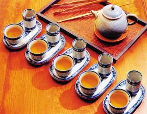茶叶加香精怎样识别?茶叶香精有什么害处?