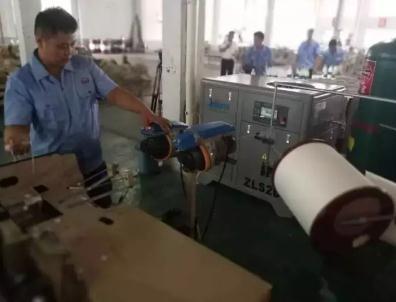 金斯达纺织机械公司:将喷水织机变成喷气织机
