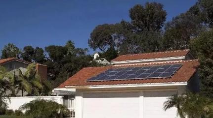 哪几种情况下适不适合装屋顶光伏电站的