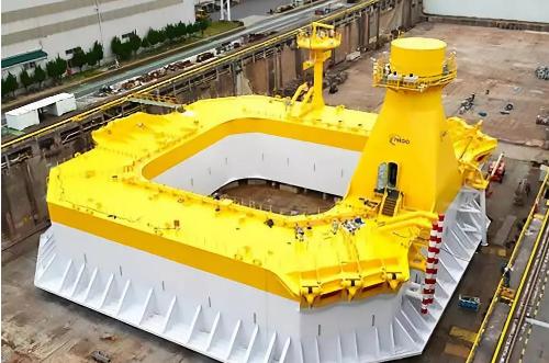 日本建成浮式海上风电系统的驳船式浮体