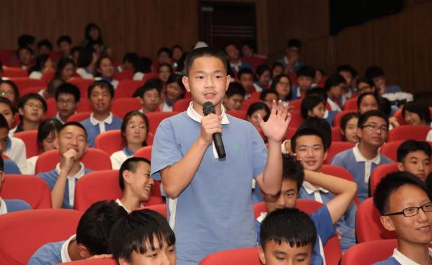核电科普行走进深圳高级中学