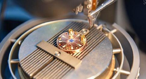 超导纳米纤维:制成的类超导量子干扰器已成功应用