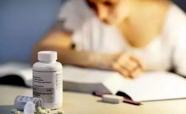 什么是聪明药?阿得拉、利他林、莫达非尼、安帕金,长期服用副作用严重