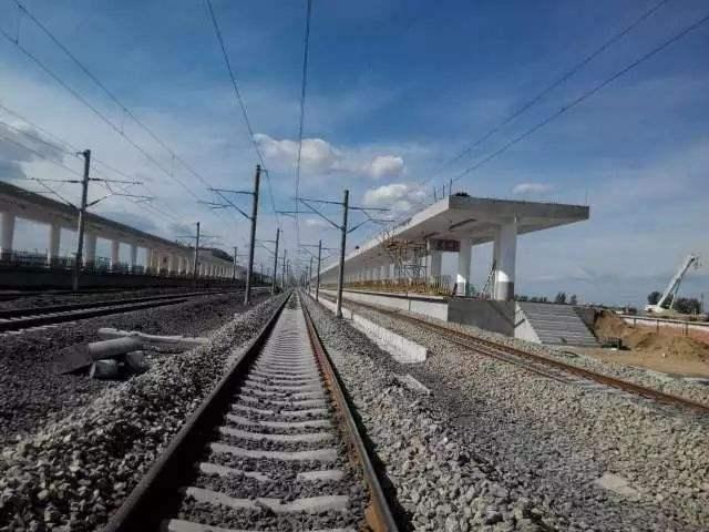 """新建哈佳铁路首次""""试跑"""":考验线路设施、通信设备安全性"""