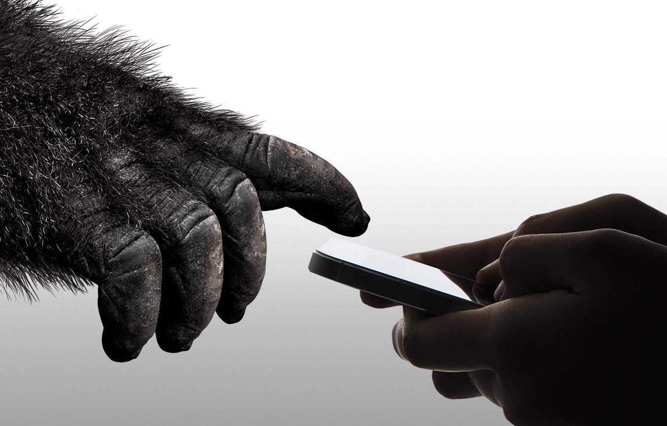 康宁第六代大猩猩玻璃(Corning Gorilla Glass 6)能经受15次从1米高度跌落