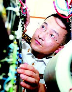 肖飞:设计出2兆瓦级永磁直驱风力发电变流器
