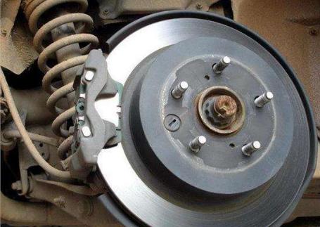 汽车刹车系统的分类及改装注意事项