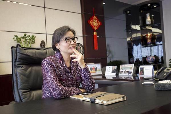 蓝思科技CEO周群飞还能保住女首富的称号吗?