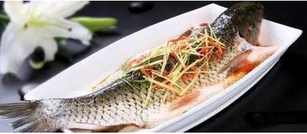 脉冲强光杀菌技术结合双乙酸钠、乳酸双芽菌处理对清蒸鲤鱼的杀菌效果