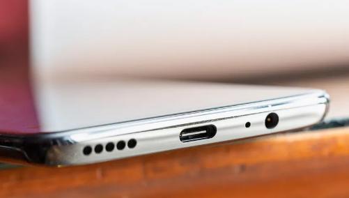 一加科技创始人裴宇:一加6T将取消3.55mm耳机孔