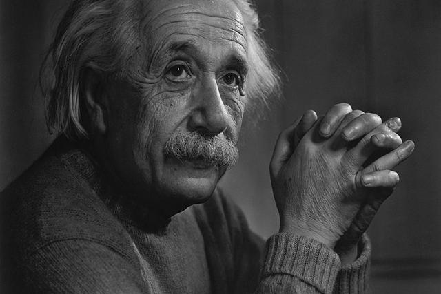 爱因斯坦大脑被分割成240块,研究43年,其大脑顶叶比一般人宽15%