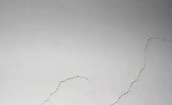 墙面裂缝如何修补及墙面开裂原因分析