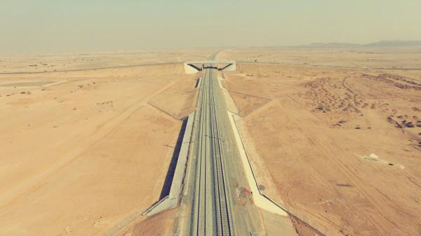 沙特时速360公里麦加至麦地那双线电气化高铁建成,为世界首条穿越沙漠地带高铁