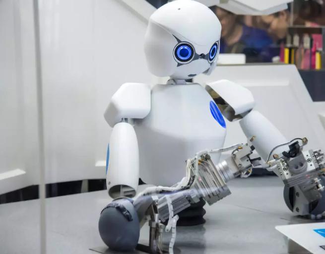 未来机器人创造的就业机会是替代掉的两倍