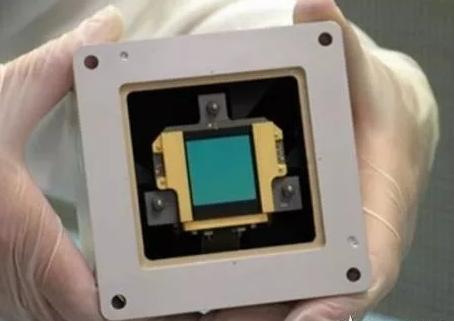 一款新型基于石墨烯的中红外传感器介绍