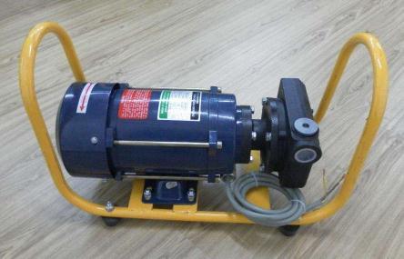 抽油泵的工作原理、泵筒原油漏失的原因、治理方法