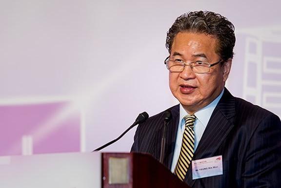 伯恩光学杨建文:香港十大富豪之一,全球最大手机玻璃生产商