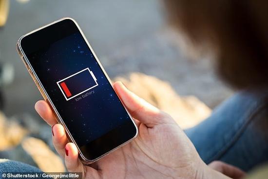 智能手机电池使用一年左右后出现电池寿命迅速衰减的秘密