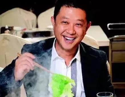 海底捞刚上市董事长张勇、舒萍夫妇就更改国籍,成为新加坡人!