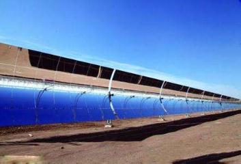 我国首个大型商业化光热示范电站——中广核德令哈50兆瓦光热示范项目正式投运