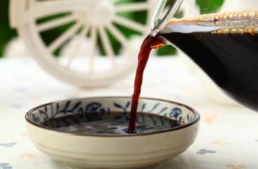 揭秘食品谣言:喝醋真的能软化血管吗?