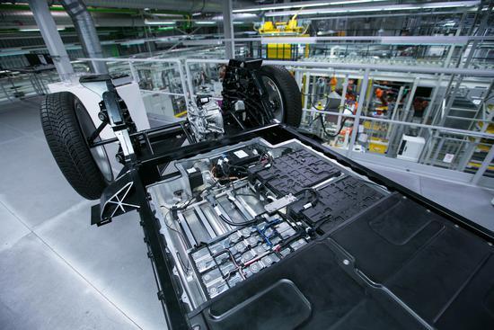 电动汽车没那么清洁环保?使用柴油发动机排放的二氧化碳要比电动汽车少